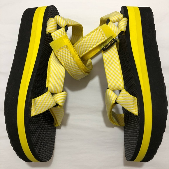 9bfafc194f2 Teva Flatform Universal in Yellow Candy Stripe
